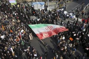 عفوية المظاهرات وغياب قادتها أمر يقلق سلطات طهران