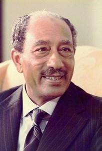 الرئيس الأسبق انور السادات زعيم الأنقلاب على ثورة 23 يوليو
