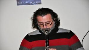 طارق بشاشة يعزف بحنينه على الة الكلارينت في شهرياد