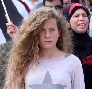 المناضلة الشابة عهد التميمي... رمز لشعب يعرف معنى الكبرياء الوطني